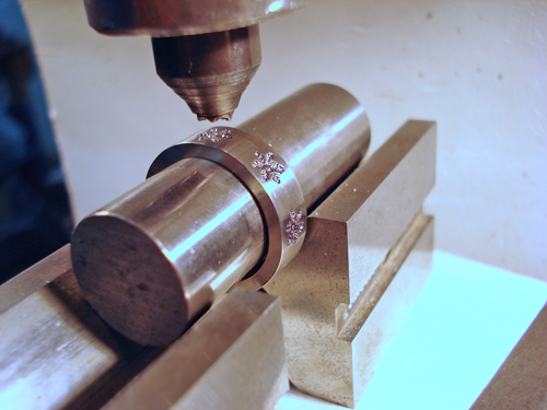 Putting snowflakes on with the kickpress